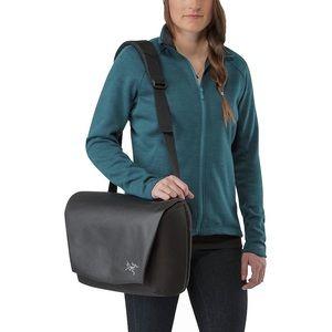 NWT Unisex Arc'teryx fyx 9 messenger laptop bag